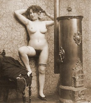 amateur photo Sir, I recently received a brochure detailing Maughans patent water heating geysers. This particular model seems very effective as I find that close s