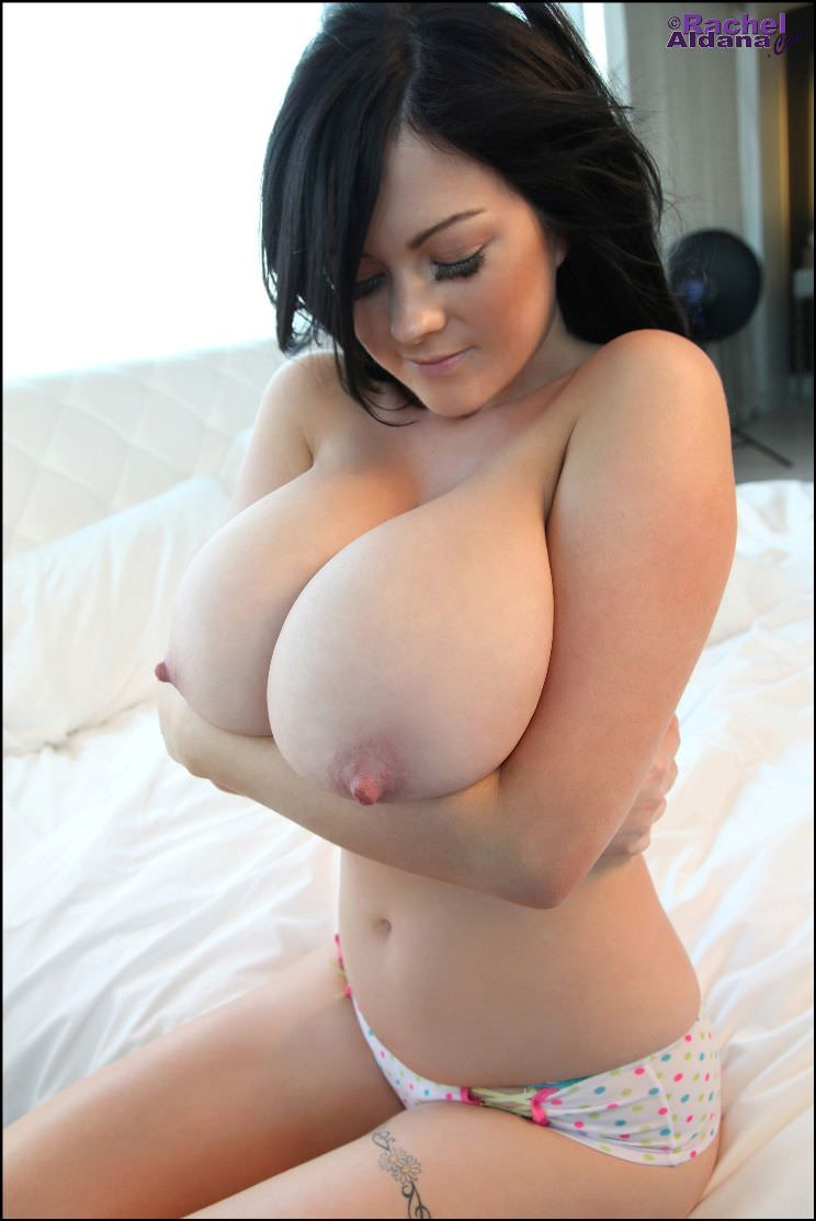 naked girls big boobs