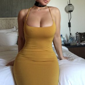 amateur photo Yellow Dress