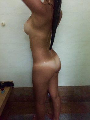 amateur photo tanlines in the shower
