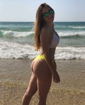 amateur photo PictureGreat small bikini