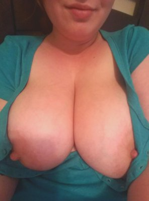 amateur photo I need pampered, do you want to suck on my nipples?