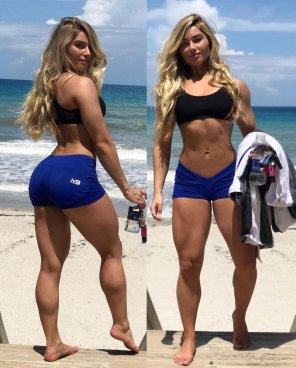 amateur photo Carriejune looking good at the beach