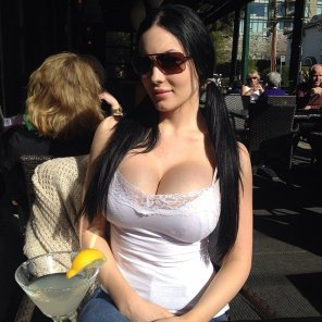 amateur photo White top and shades