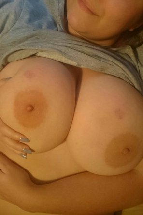 amateur photo [Image] ready for a squeeze ;P
