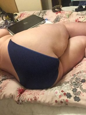 amateur photo Curled up on the bed in a pair of comfy blue panties [F]