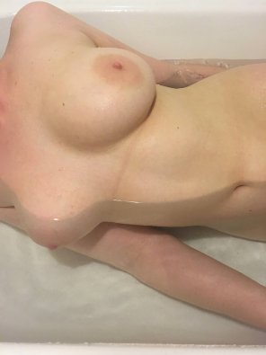 amateur photo [f]eeling perky in the bath