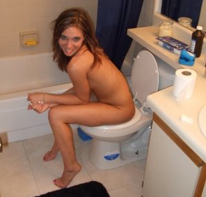 amateur photo Sexy on the toilet