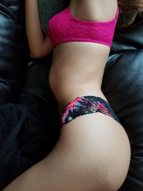 A little side view [F] Porn Photo