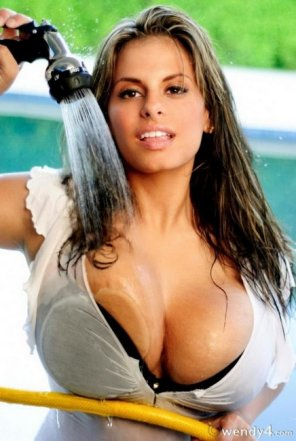 amateur photo Wendy Fiore is simply gorgeous.
