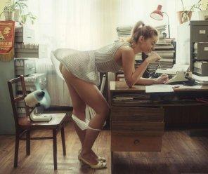 amateur photo Secretary cooling off