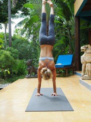 amateur photo Handstand