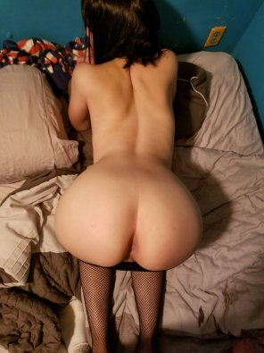 amateur photo My GF wants to know if she qualifies as thicc