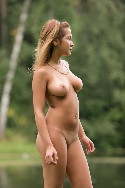 Naked pictures Big tits naked public