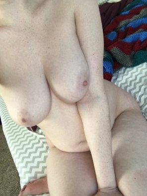 amateur photo Don't mind my tummy [OC]