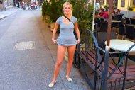 amateur photo Blonde Upskirt