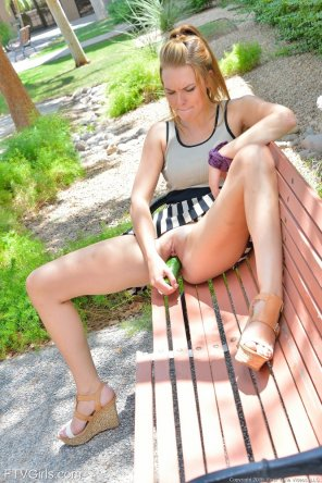 amateur photo Cosmina Dunkin playing with her food in public