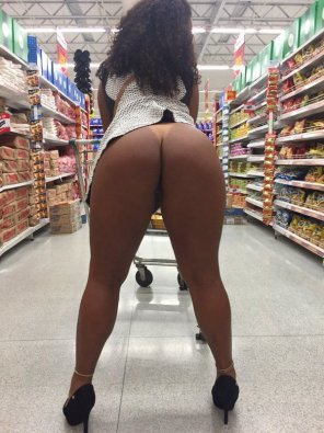amateur photo Ebony Booty in the Store