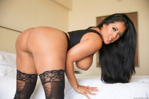 amateur photo Kiara Mia has a big sexy ass