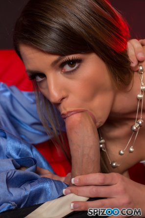 amateur photo Brooklyn Chase