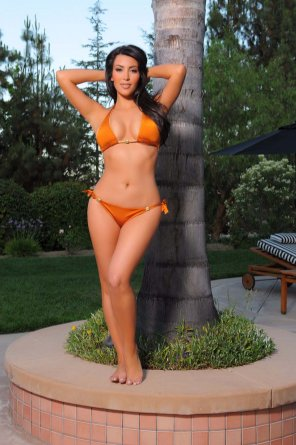 amateur photo Kim Kardashian in bikini