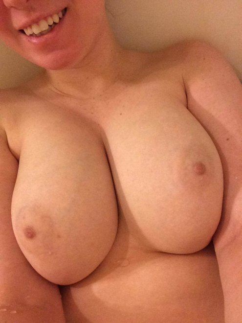 Big Tits And Horny, Daily Hottest Nudes On Snap: @ hot_alexis19 Porno Zdjęcie
