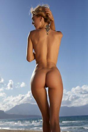 amateur photo Goddess of the gaps