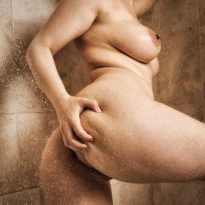 amateur photo Shower time