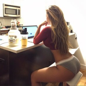 amateur photo Squats do a body good