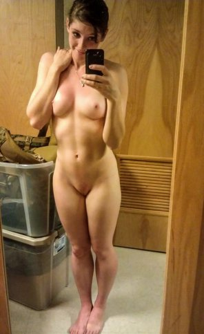 amateur photo Happy embarrassed girl sexting with her BF.