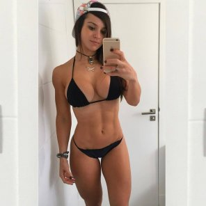 amateur photo Nice fit girl in black bikini selfie