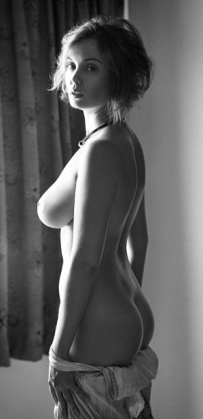 amateur photo Black and white pure class