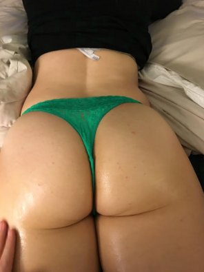 amateur photo Oiled up ass