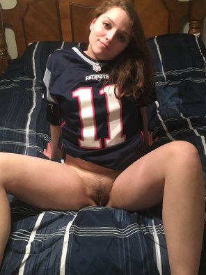 amateur photo Super bowl Sunday go pats 😘22 [f]