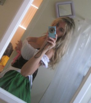 amateur photo Dirndl