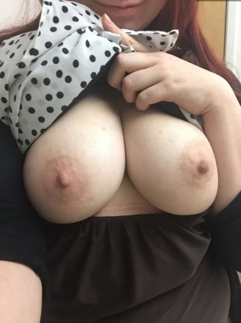 Feeling Horny, Looking For Naughty Friends, SC: oliviajones226 Porno Zdjęcie