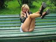 Park bench blondie