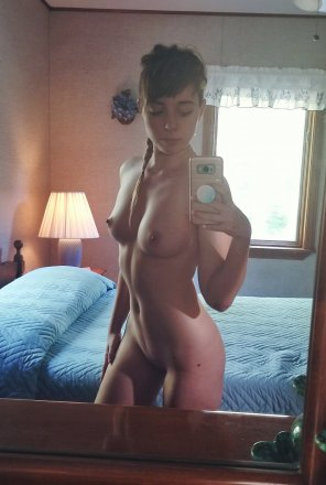 amateur photo Mirror nude [F]