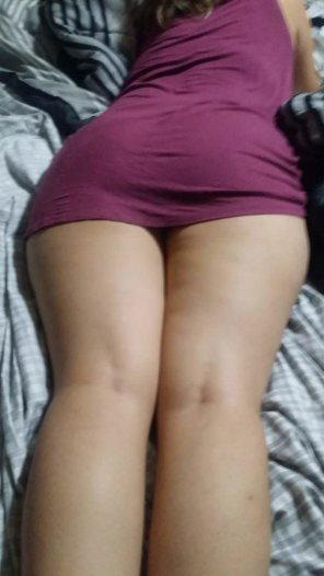 amateur photo Went home for lunch and look what i found in my bed!! I am guessing i am having a piece of ass for lunch!! PM's and comments welcomed