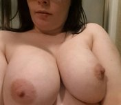 amateur photo 32DDs