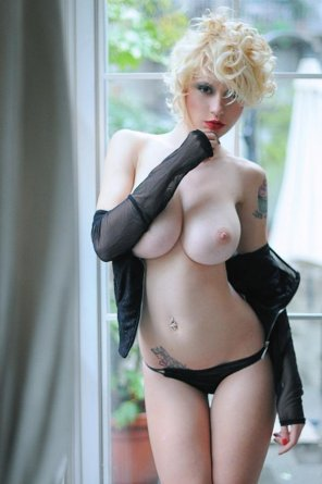 amateur photo Big pale tits