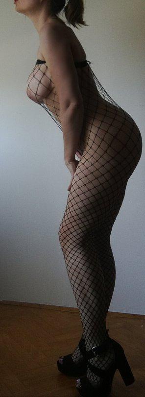 amateur photo IMAGE[Image]full body shot boob profile,my fave