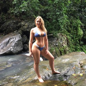 amateur photo Iskra Lawrence again