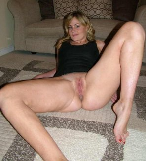 milf dominican woman play with her pussy