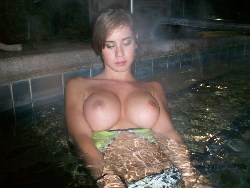 It looks nice and hot there Porn Photo