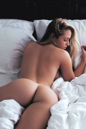 amateur photo Gorgeous Blonde in Bed