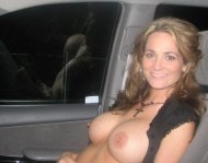 Big titties in the car