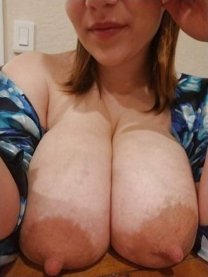 amateur photo Taking the Weight off her Chest
