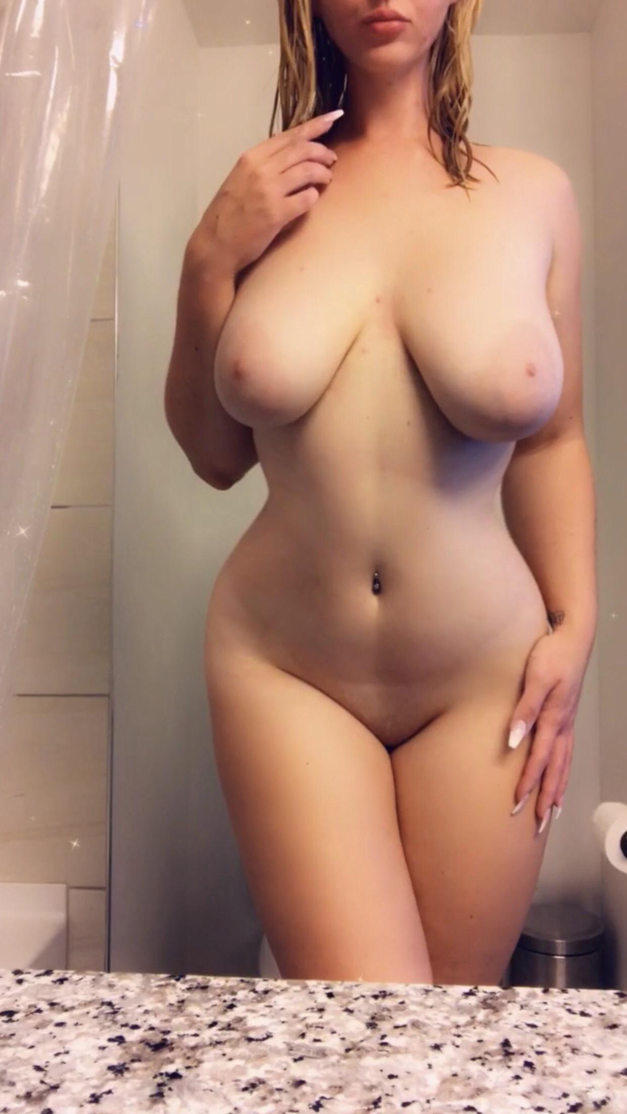 Blonde nude Porn Star
