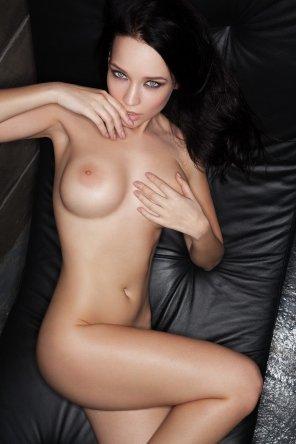 amateur photo Hand bra slip